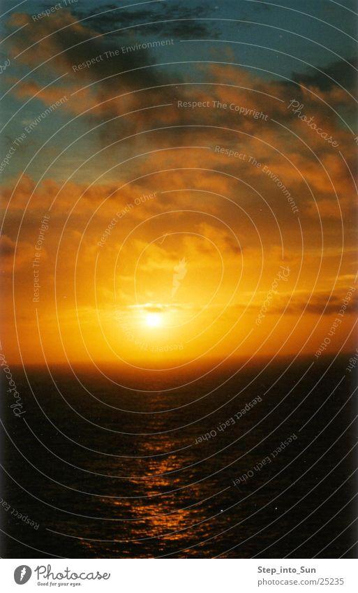 Sunrise at 5:00 am Australia Ocean Morning Graffiti Water
