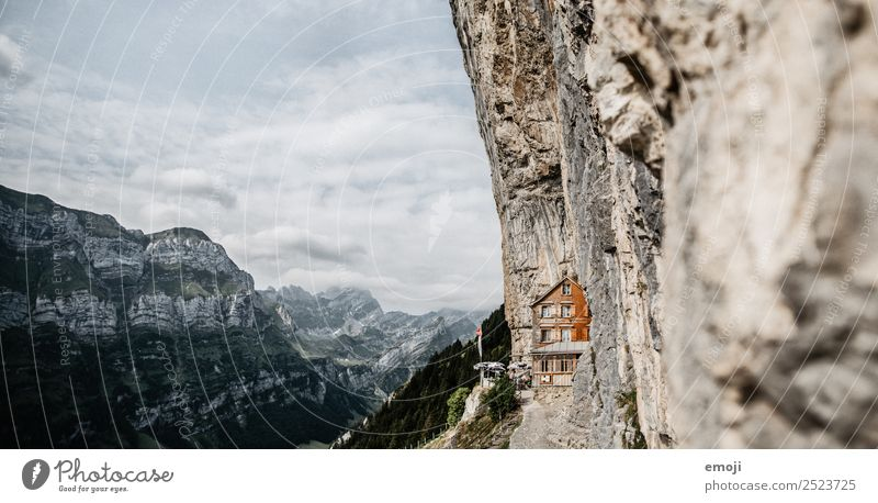 Sky Nature Summer Mountain Environment Tourism Exceptional Rock Beautiful weather Tourist Attraction Alps Gastronomy Hut Switzerland Famousness Class outing