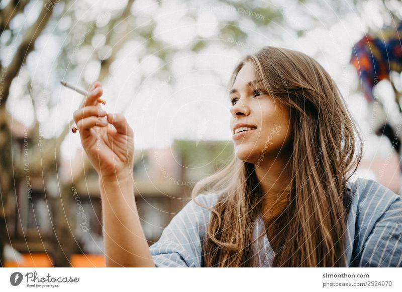 lifestyle Lifestyle Luxury Style Flirt Feminine 1 Human being To talk Fragrance Relaxation To enjoy Smiling Love Smoking Illuminate Dream Wait Authentic