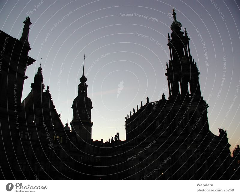 thresh Dresden Sunset Light Culture Hofkirche Club Evening Castle