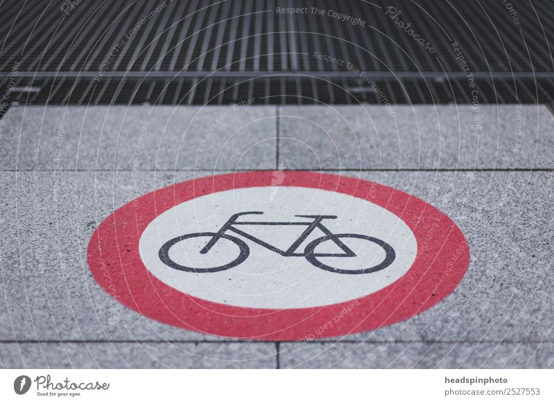 No passage for bicycles Sports Fitness Sports Training Cycling Climate Downtown Pedestrian precinct Means of transport Traffic infrastructure Road traffic