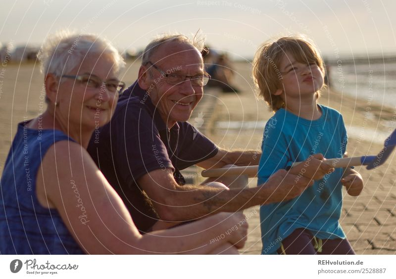 Family with grandma grandpa child at the sea Vacation & Travel Summer Summer vacation Beach Ocean Human being Masculine Feminine Child Boy (child) Female senior