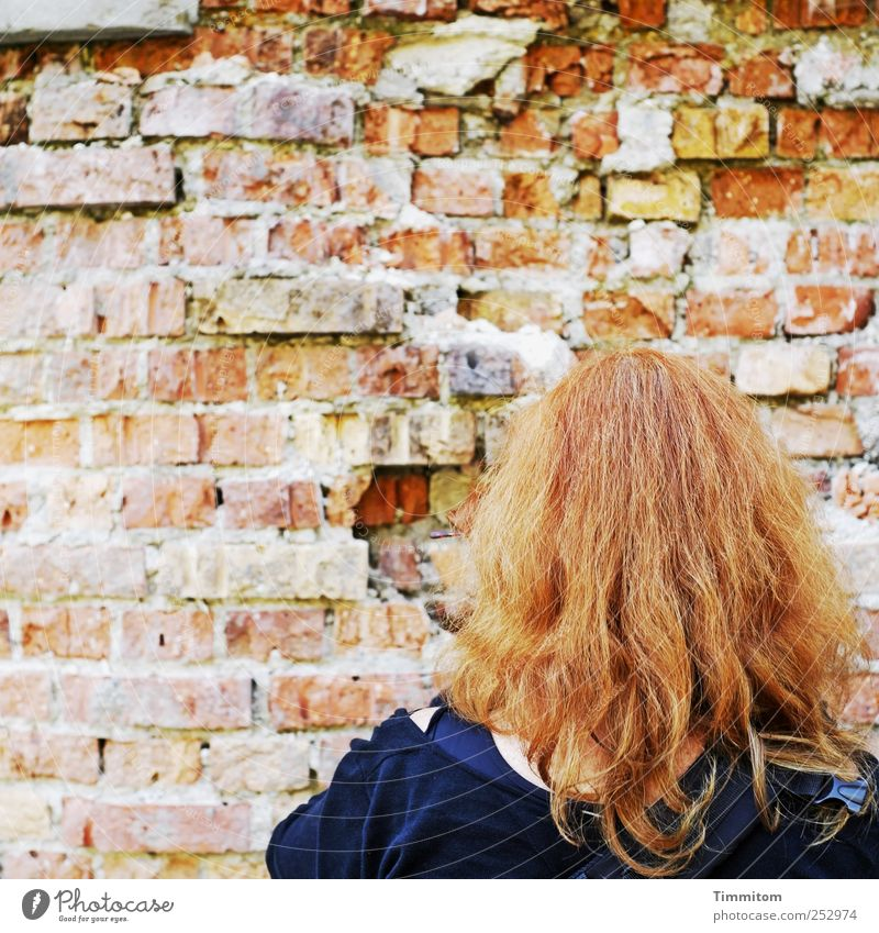 Human being Woman Blue Red Dark Adults Wall (building) Wall (barrier) Hair and hairstyles Leisure and hobbies Stand Beginning Curiosity Competition Red-haired Sympathy