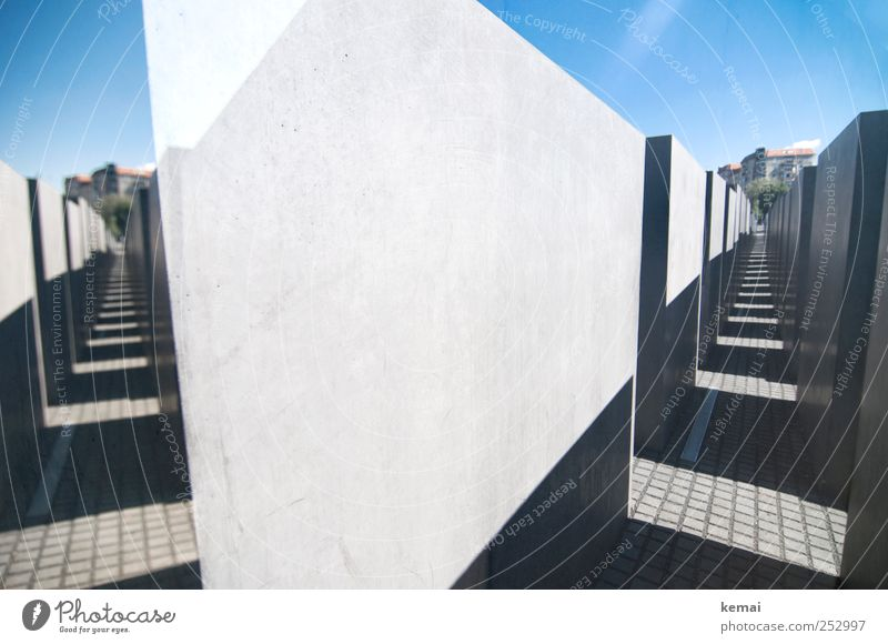 corridors Leisure and hobbies Beautiful weather Berlin Capital city Manmade structures Wall (barrier) Wall (building) Column Tourist Attraction Monument