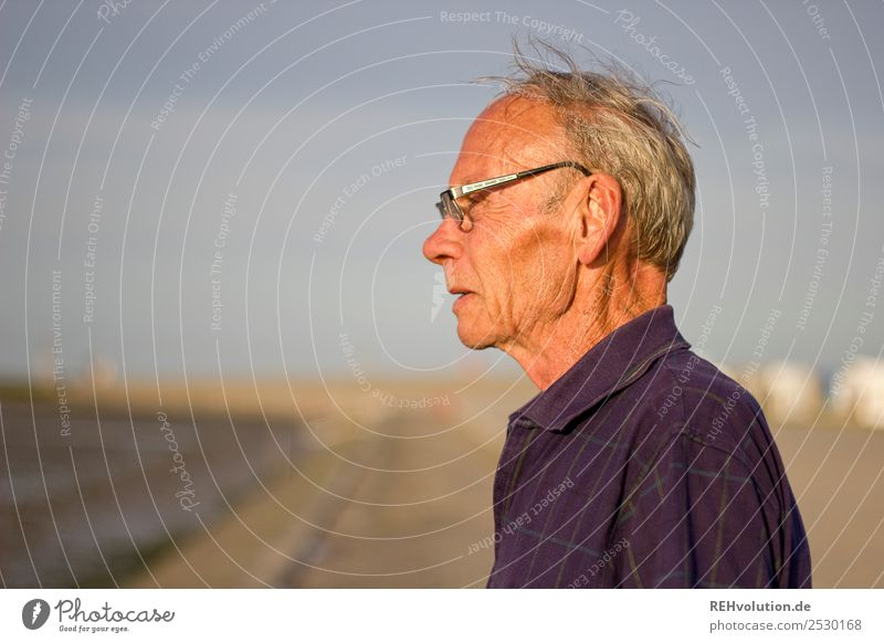 Human being Sky Nature Man Old Ocean Face Warmth Life Environment Senior citizen Natural Coast Think Contentment Masculine