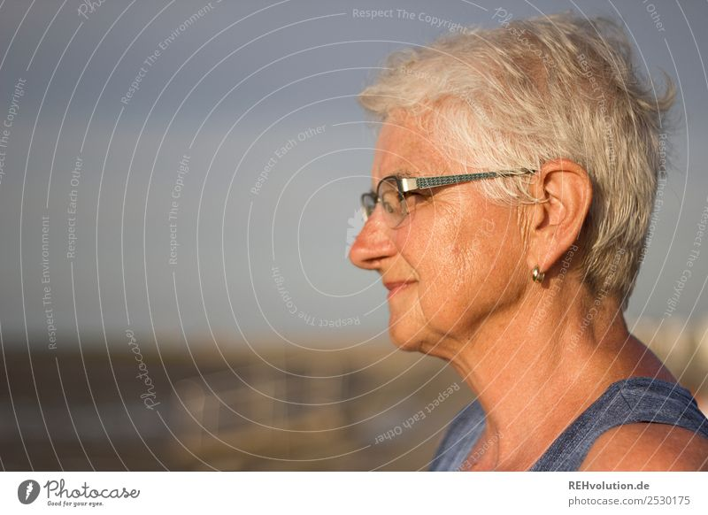 Old woman looks into the distance Human being Feminine Woman Adults Female senior Grandmother Senior citizen Life Head Face 1 60 years and older Environment