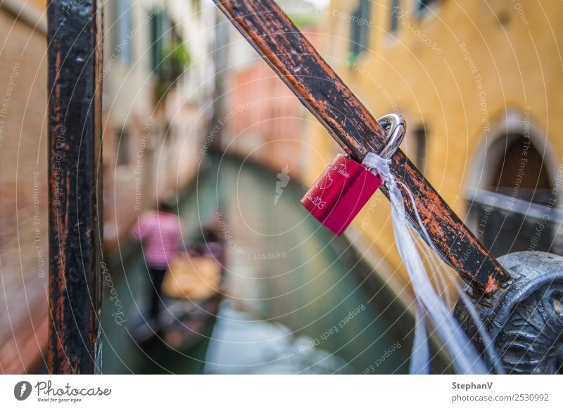 Castle of love at a bridge in Venice, Italy 1 Human being Europe Port City Lock Love padlock Kitsch Yellow Red Emotions Happy Joie de vivre (Vitality)