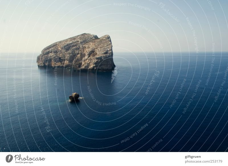 Sky Nature Water Blue Ocean Calm Environment Landscape Weather Waves Earth Horizon Background picture Rock Large Island