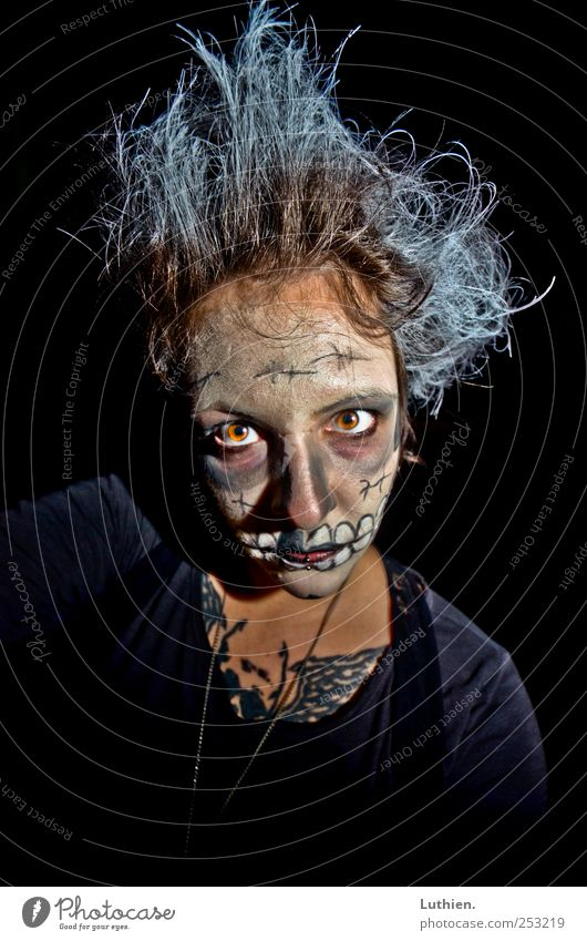 zombie Human being Woman Adults Head Hair and hairstyles Face 1 Observe Aggression Exceptional Threat Dark Creepy Crazy Trashy Blue Black White Fear Hallowe'en