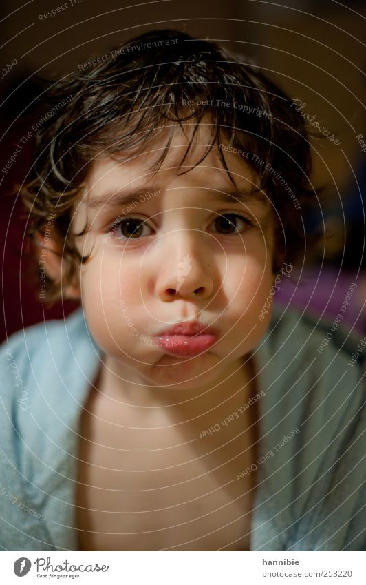 Au cheek Human being Child Boy (child) Infancy 1 3 - 8 years Brunette Looking Brash Funny Wet Crazy Blue Pink Black Joy Happiness Bathrobe Lips Cheek Absurdity