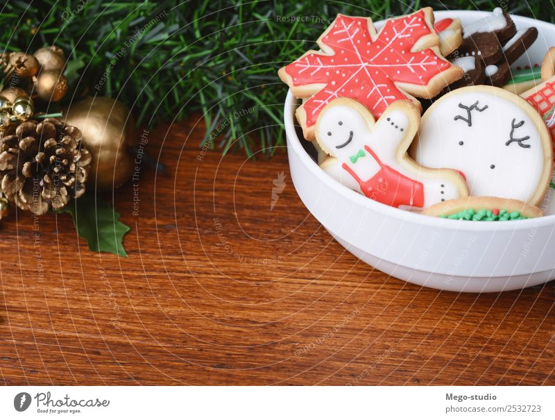 Colorful christmas cookies Dessert Plate Bowl Winter Decoration Table Feasts & Celebrations Christmas & Advent Wood New Red Tradition food Gingerbread sweet