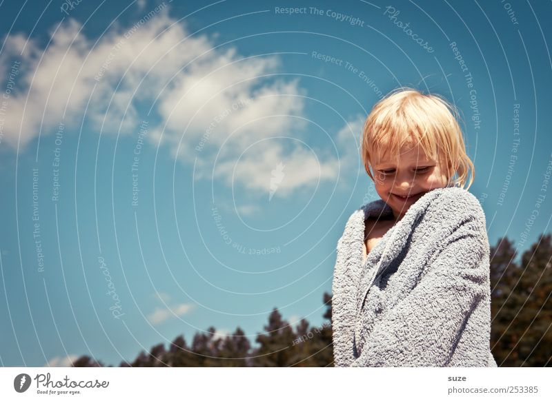 Summer Terrycloth Dressing Coat Hair and hairstyles Vacation & Travel Human being Toddler Girl Infancy Head 1 Environment Nature Sky Clouds Tree Blonde Stand