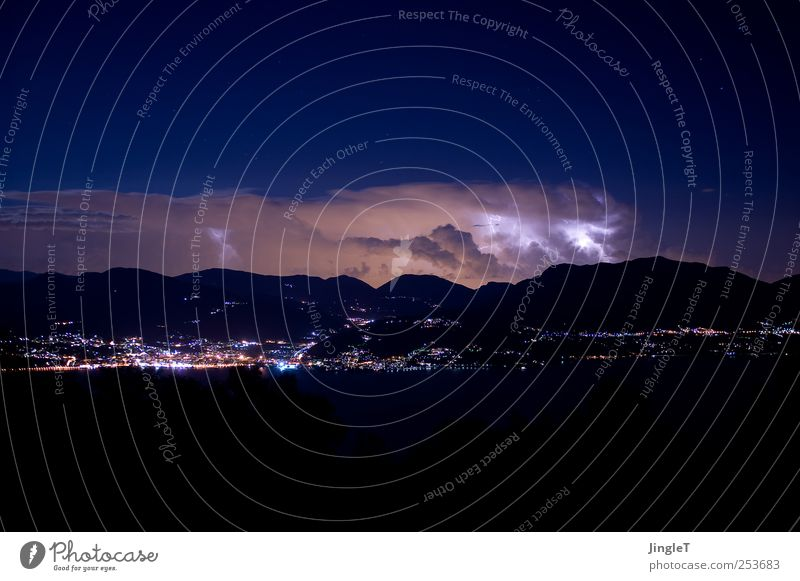 nocturnal active Environment Nature Elements Air Sky Cloudless sky Storm clouds Night sky Stars Horizon Climate Climate change Wind Gale Thunder and lightning