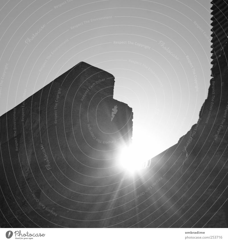 City Old White Sun Black Wall (building) Architecture Building Wall (barrier) Europe Italy Manmade structures Landmark Monument Downtown Tourist Attraction