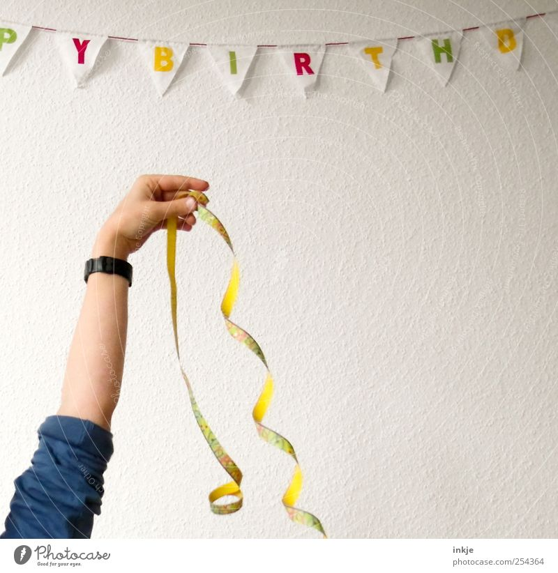 PYBIRTHD Lifestyle Leisure and hobbies Party Feasts & Celebrations Birthday Arm 1 Human being Decoration Paper chain Paper streamers Flag Characters To hold on