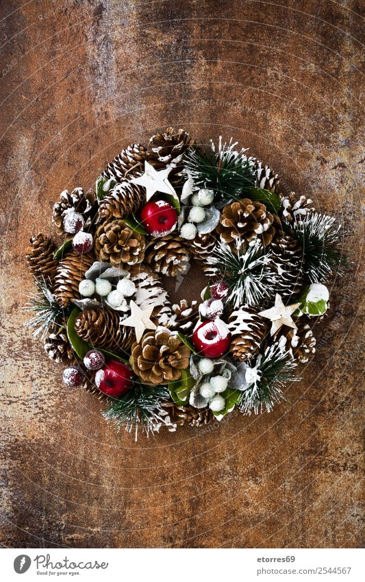 Christmas wreath Christmas & Advent Wreath Decoration Feasts & Celebrations December Tradition Paper chain Pine Neutral Background Rust Green Ornament Seasons