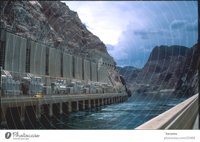 Hoover Dam Reservoir Retaining wall Nevada Hydroelectric  power plant Industry Lake Mead USA