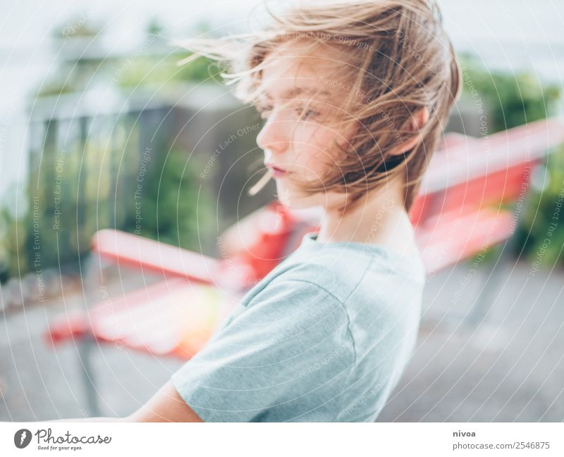 Boy in the wind Leisure and hobbies Playing Parenting Schoolchild schuler Human being Masculine Boy (child) Head 1 8 - 13 years Child Infancy Environment Nature