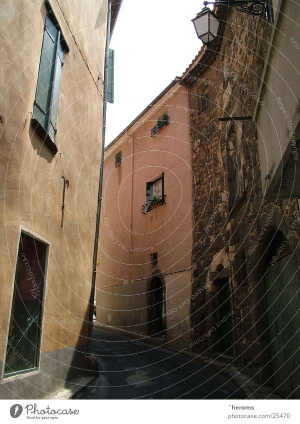House (Residential Structure) Architecture France Alley Narrow Mediterranean sea