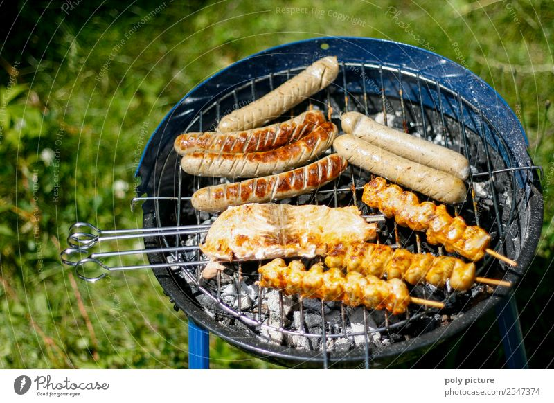 Summer Calm Joy Eating Family & Relations Happy Garden Feasts & Celebrations Together Nutrition Summer vacation Barbecue (event) Sustainability Camping Cozy