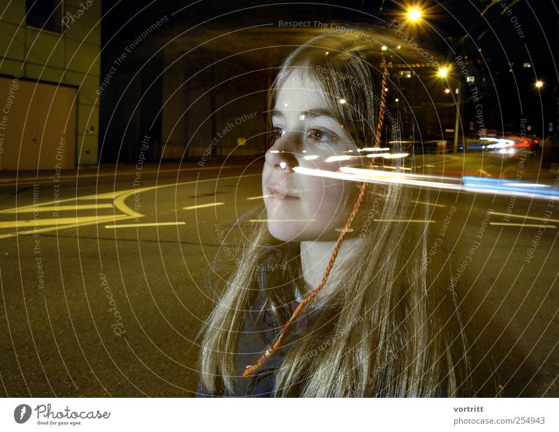 thought transmission Girl 1 Human being 3 - 8 years Child Infancy Transport Traffic infrastructure Passenger traffic Road traffic Motoring Street Crossroads