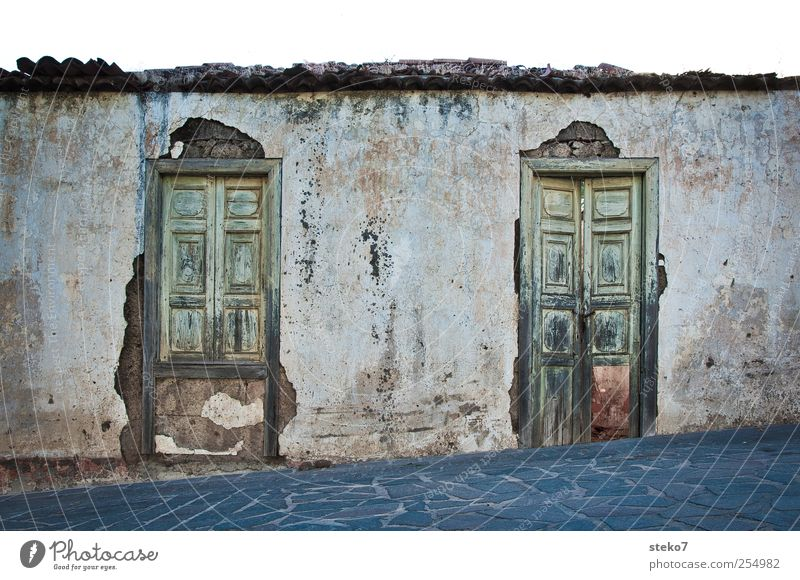 222 House (Residential Structure) Wall (barrier) Wall (building) Facade Door Old Gloomy Decline Mediterranean Tenerife Exterior shot Deserted Copy Space top