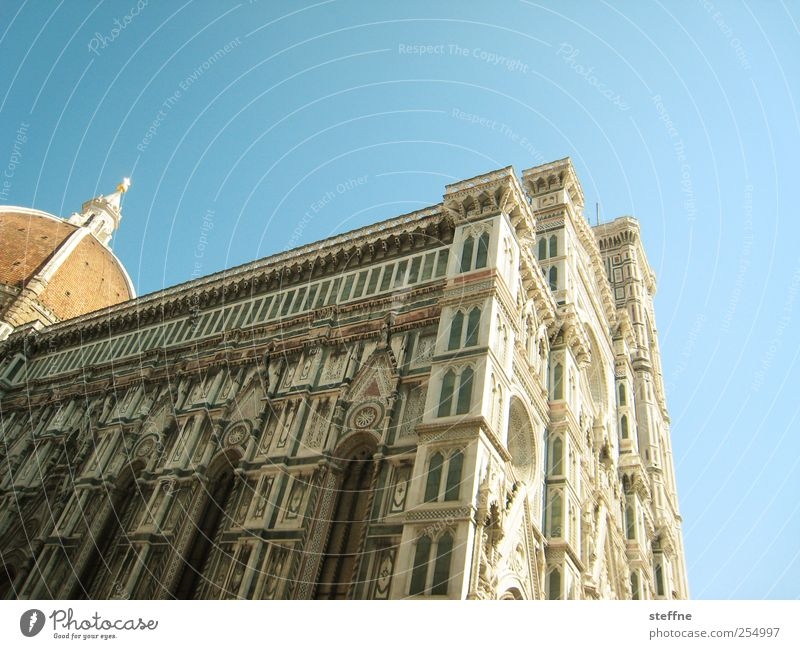Architecture Religion and faith Facade Esthetic Church Manmade structures Italy Beautiful weather Landmark Downtown Dome Tourist Attraction Cloudless sky Old town Tuscany Marble