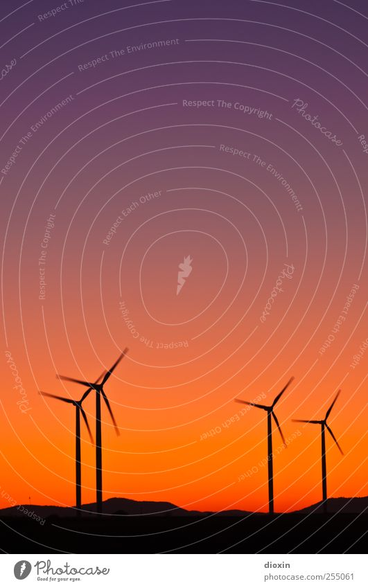 Sky Colour Environment Landscape Wind Tall Energy Large Energy industry Climate Hill Wind energy plant Rotate Beautiful weather Pinwheel Cloudless sky