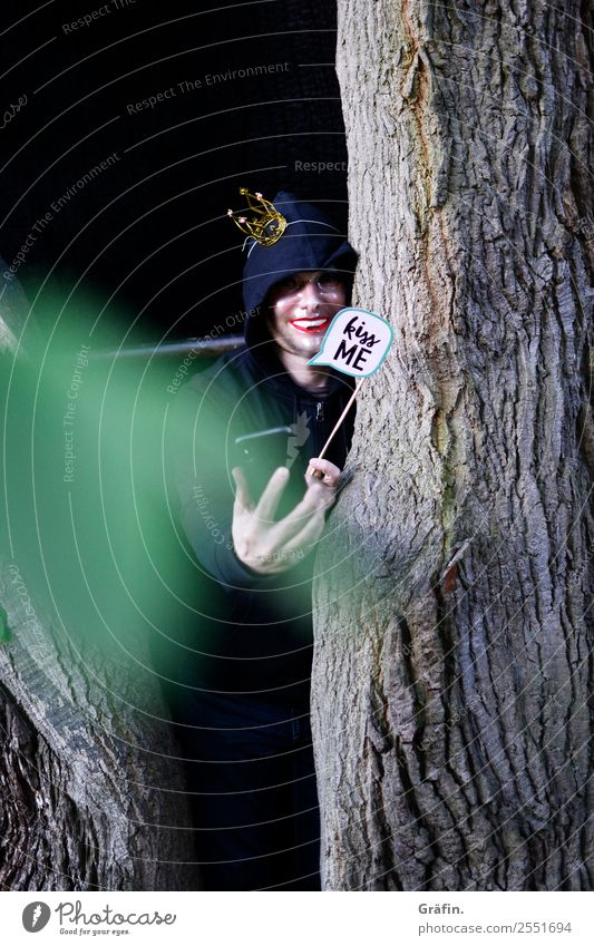 feint Playing Dress up Hide Cellphone Human being Masculine Man Adults 1 Environment Nature Summer Tree Park Forest Observe To call someone (telephone) Threat