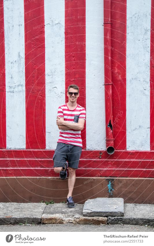 seaman Human being Masculine Red White Man Posture Stripe Easygoing Shorts T-shirt Vacation & Travel Calm Colour photo Copy Space top Day Portrait photograph