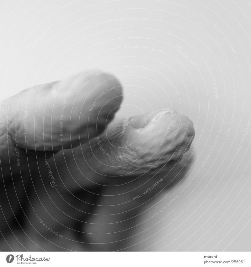 shriveled fingers Human being Hand Fingers Old Dried up Skin Black & white photo Close-up Detail Macro (Extreme close-up) Blur