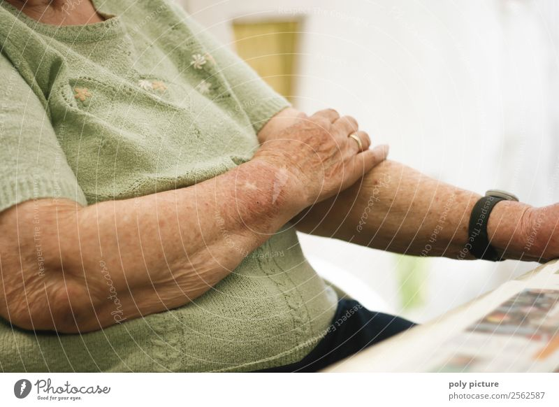Woman Old Hand Loneliness Adults Senior citizen Think Contentment Meditative 60 years and older Arm Future Transience Uniqueness Change Past