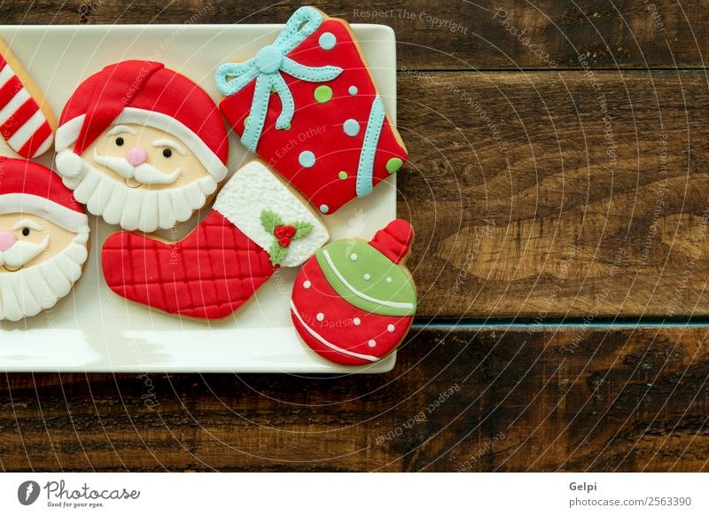 Delicious Christmas Cookies Dessert Herbs and spices Plate Winter Decoration Table Feasts & Celebrations Christmas & Advent Wood Ornament Brown Red Tradition