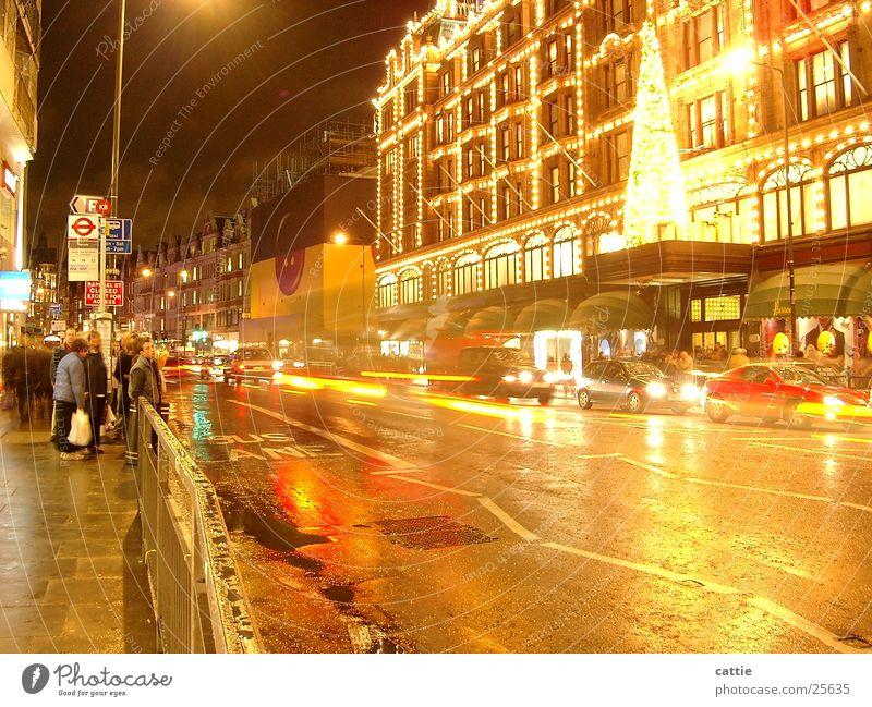 Christmas & Advent Cold Rain Bright Wait Wet Transport Fresh Europe Umbrella Damp Traffic infrastructure London Vehicle Illuminate