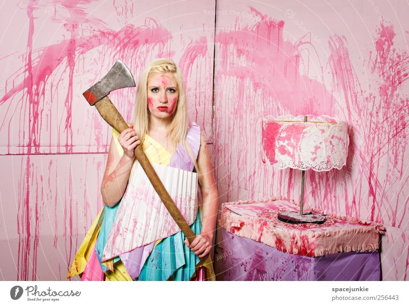 Woman Human being Youth (Young adults) Adults Feminine Lamp Blonde Pink Crazy Dangerous Exceptional Observe 18 - 30 years Creepy Anger