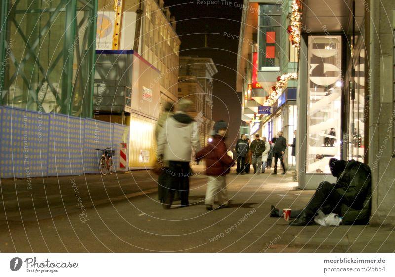 Man Christmas & Advent Cold Leipzig Tramp Pedestrian Prefab construction Saxony Consumption Homeless