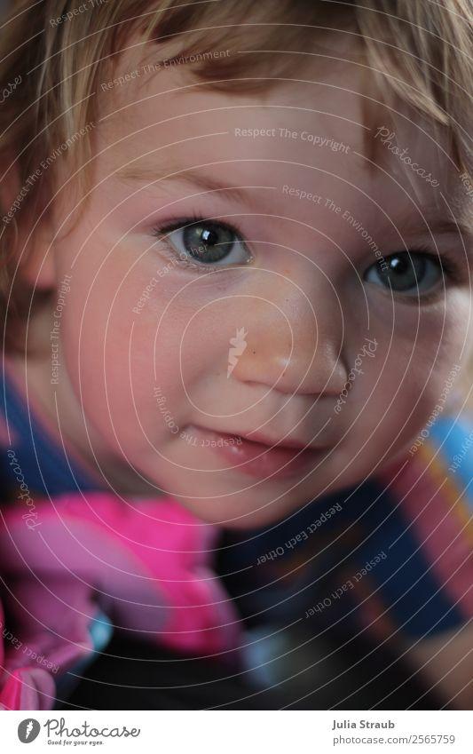 blue eyes girls Feminine Girl Head 1 Human being 1 - 3 years Toddler T-shirt Blonde Short-haired Bangs Observe Beautiful Curiosity Cute Pink Shows Blue Eyes