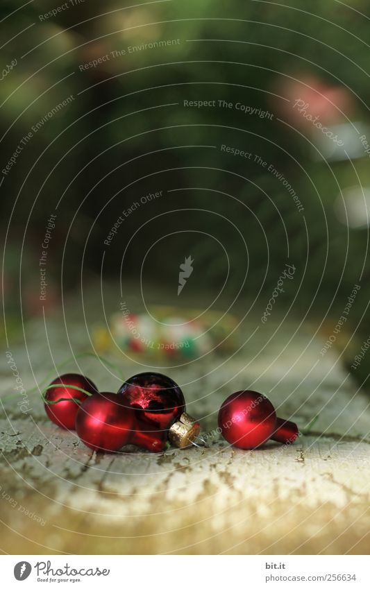 Old Christmas & Advent Red Wood Small Feasts & Celebrations Glittering Lie Living or residing Decoration Glass Kitsch Tradition Wooden board Sphere Anticipation