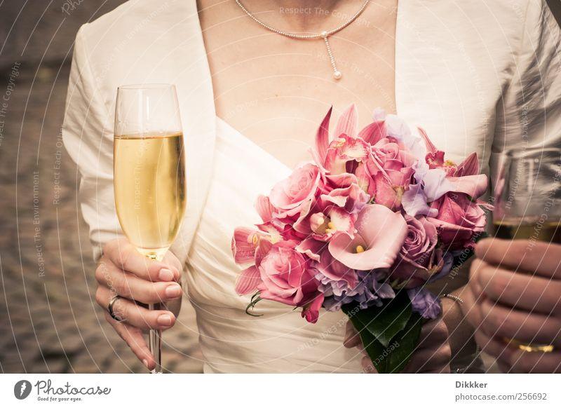 Woman Human being Flower Joy Adults Feminine Happy Couple Feasts & Celebrations Glass Elegant Wedding Stand Lifestyle Drinking Romance