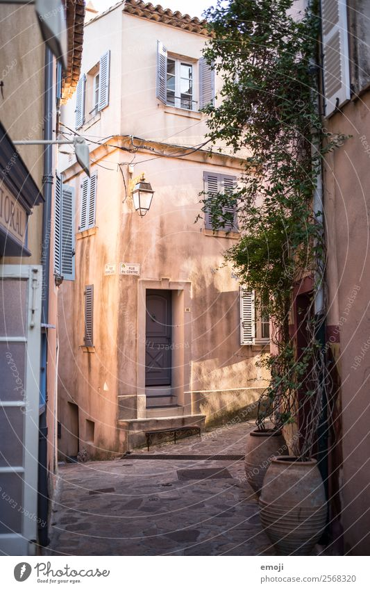 Ramatuelle IV Small Town Deserted House (Residential Structure) Alley Wall (barrier) Wall (building) Facade Colour Vacation & Travel Tourism ramatuelle France