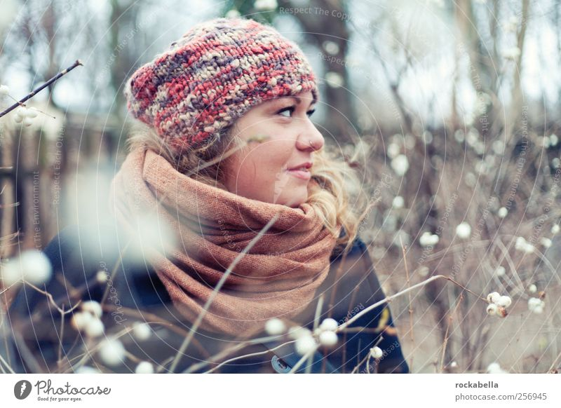 snowballs. Feminine Young woman Youth (Young adults) 18 - 30 years Adults Cap Blonde Esthetic Authentic Friendliness Beautiful Uniqueness Thin Warmth Happy