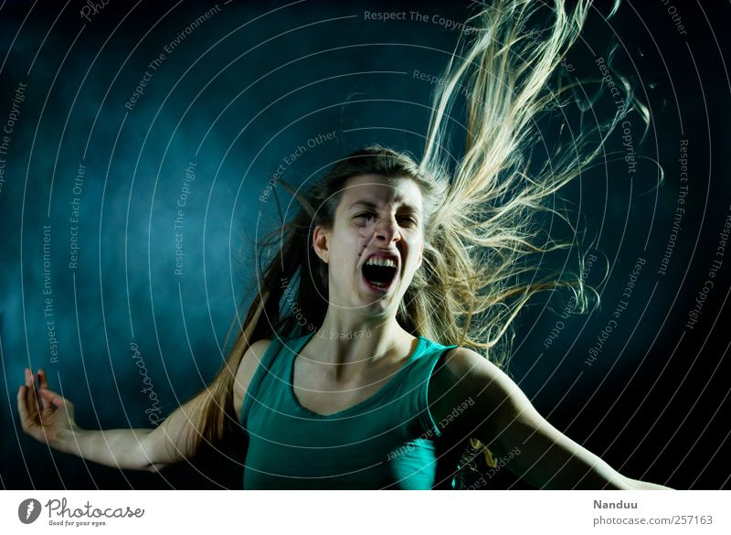 Human being Youth (Young adults) Adults Feminine Hair and hairstyles Force 18 - 30 years Young woman Scream Snapshot Dynamics Blow Aggression Self-confident Emotions Face of a woman