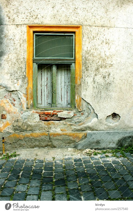Old Green Yellow Window Wall (building) Wall (barrier) Facade Poverty Authentic Broken Change Transience Decline Plaster Paving stone Old town