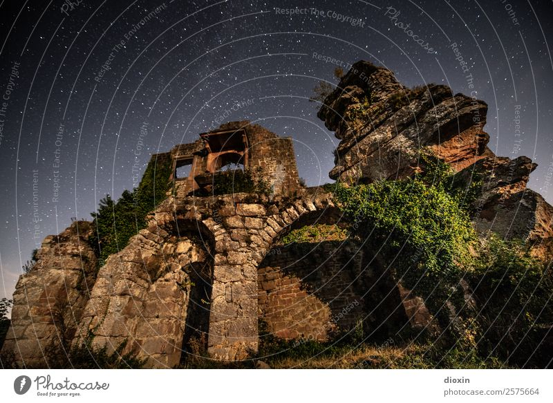 Vacation & Travel Old Architecture Building Tourism Exceptional Trip Authentic Adventure Transience Past Manmade structures Castle Sightseeing Decline Ruin