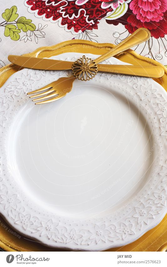 Thanksgiving Place on tablecloth with flowers and gold plate Dinner Plate Cutlery Fork Spoon Elegant Decoration Table Feasts & Celebrations Christmas & Advent