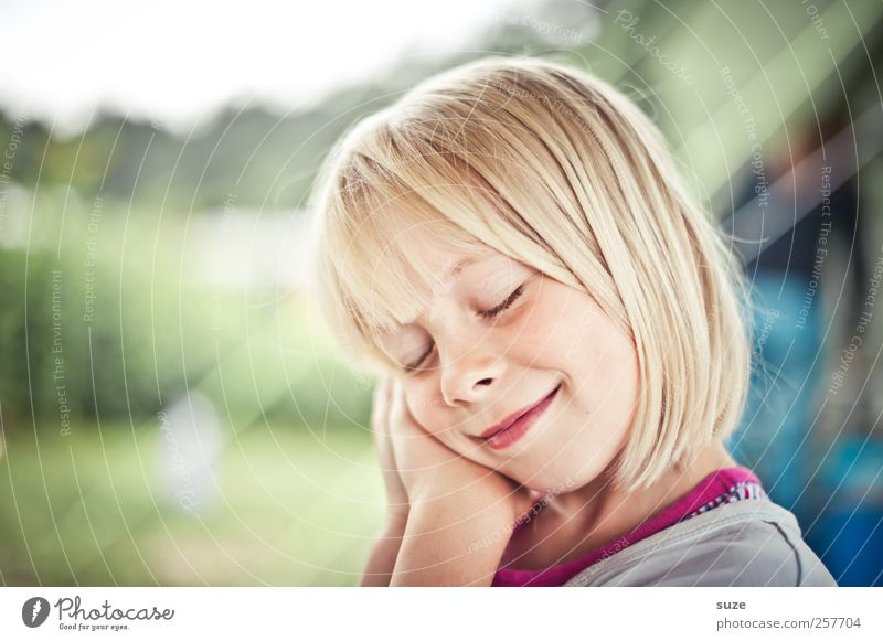 Sleep, little child, sleep ... Human being Child Girl Head Hair and hairstyles Face 1 3 - 8 years Infancy Blonde Funny Natural Cute Smiling Gesture Colour photo