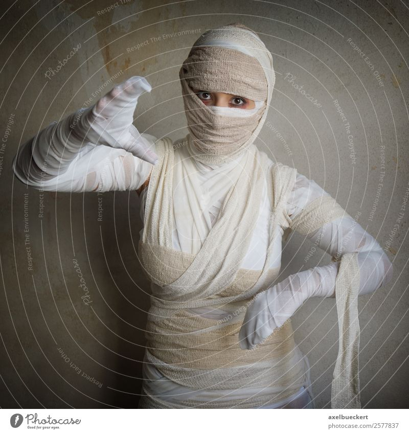 female mummy - Halloween costume Lifestyle Leisure and hobbies Party Feasts & Celebrations Carnival Hallowe'en Human being Feminine Young woman