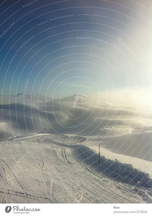 Sky Nature Sun Landscape Clouds Winter Mountain Movement Snow Sports Moody Snowfall Ice Leisure and hobbies Fog Beautiful weather