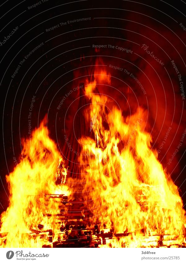 Red Yellow Wood Warmth Feasts & Celebrations Orange Blaze Tall Physics Hot Burn Flame Stack of wood Glint Summer solstice