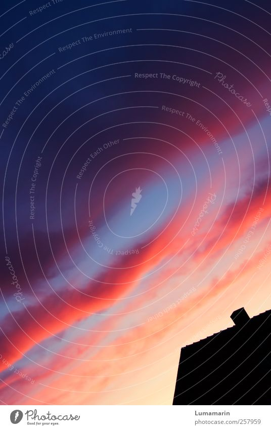 Spectrum Environment Sky Clouds Horizon Sunrise Sunset Beautiful weather House (Residential Structure) Wall (barrier) Wall (building) Roof Chimney Dark Simple